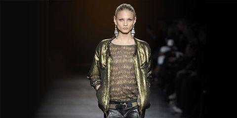 Leg, Human body, Fashion show, Joint, Outerwear, Runway, Jacket, Style, Knee, Fashion model,