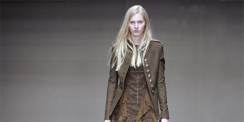 Brown, Sleeve, Human body, Textile, Fashion show, Outerwear, Style, Fashion model, Street fashion, Jacket,