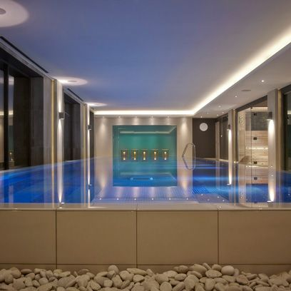 Property, Ceiling, Interior design, Lighting, Building, Swimming pool, Room, Architecture, Wall, Glass,