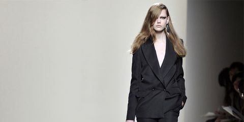 Clothing, Trousers, Shoulder, Collar, Coat, Outerwear, Style, Formal wear, Fashion model, Blazer,