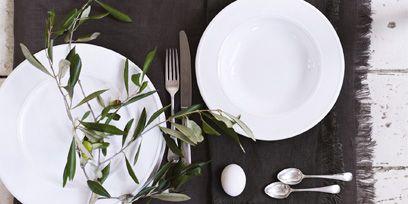 Serveware, Dishware, Porcelain, Ingredient, Ceramic, Plate, Kitchen utensil, Tableware, Meal, Platter,