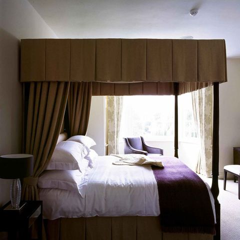 Bed, Room, Interior design, Bedding, Property, Bedroom, Textile, Bed sheet, Furniture, Wall,