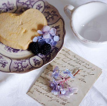 Purple, Serveware, Violet, Petal, Lavender, Dishware, Sweetness, Cup, Paper product, Porcelain,