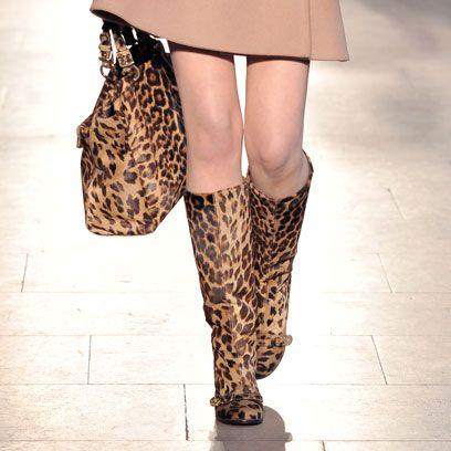 Brown, Human leg, Joint, Pattern, Street fashion, Thigh, Fashion, Knee, Tan, Beige,