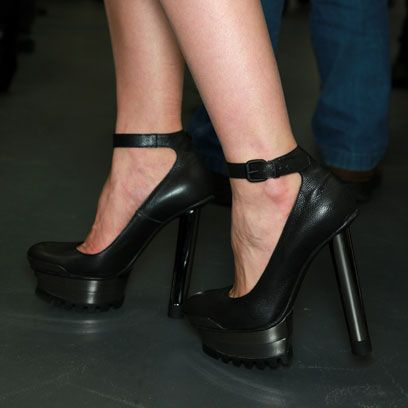 Footwear, High heels, Joint, Human leg, Sandal, Fashion, Black, Basic pump, Foot, Leather,