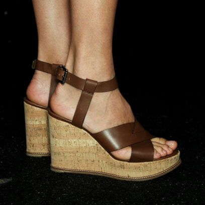 Footwear, Brown, Shoe, Skin, Sandal, Human leg, High heels, Toe, Joint, Tan,
