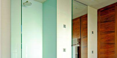 Wood, Bathroom sink, Architecture, Property, Plumbing fixture, Room, Wall, Floor, Glass, Tile,