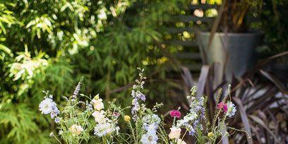 Flowerpot, Flower, Petal, Interior design, Flower Arranging, Bouquet, Floristry, Annual plant, Vase, Houseplant,