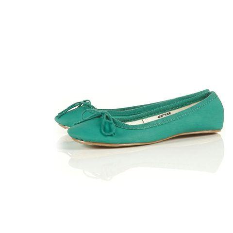 Footwear, Green, Product, Teal, Aqua, Turquoise, Azure, Tan, Beige, Dress shoe,