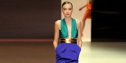 Human leg, Shoulder, Standing, Joint, Fashion show, Dress, Style, Knee, Runway, High heels,
