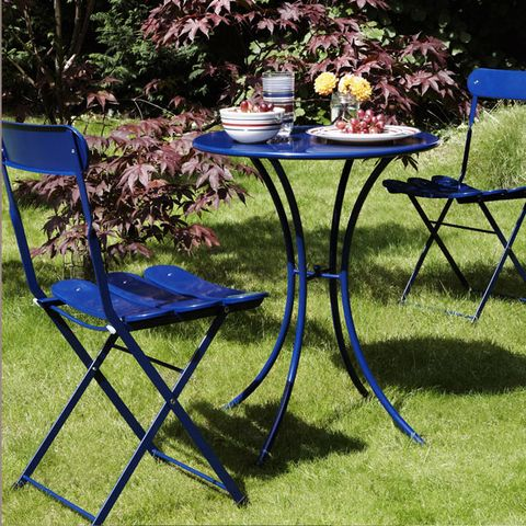 Furniture, Table, Outdoor furniture, Outdoor table, Garden, Shade, Backyard, Lawn, Yard, Patio,