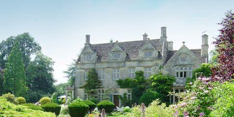 Plant, Shrub, Property, Garden, House, Building, Manor house, Castle, Hedge, Mansion,