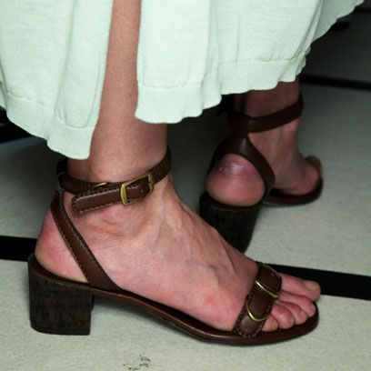Footwear, Brown, Shoe, Joint, Human leg, Pink, Style, Sandal, Foot, Fashion accessory,