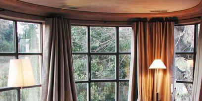 Wood, Interior design, Room, Property, Floor, Textile, Home, Table, Furniture, Window treatment,
