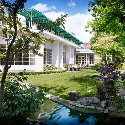 Plant, Property, House, Building, Real estate, Home, Residential area, Garden, Backyard, Door,