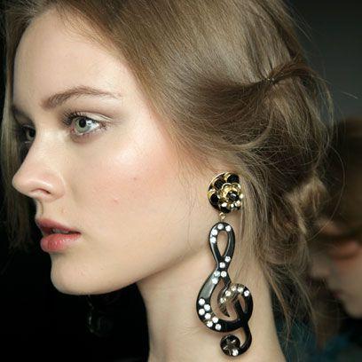 Ear, Earrings, Lip, Cheek, Hairstyle, Skin, Chin, Forehead, Eyebrow, Eyelash,
