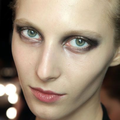 Lip, Cheek, Brown, Skin, Eye, Eyelash, Chin, Forehead, Eyebrow, Eye shadow,