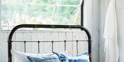 Blue, Bed, Room, Bedding, Property, Flowerpot, Textile, Bedroom, Interior design, Linens,