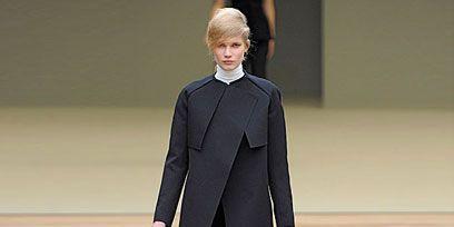 Sleeve, Collar, Joint, Outerwear, Formal wear, Fashion show, Style, Fashion model, Blazer, Fashion,