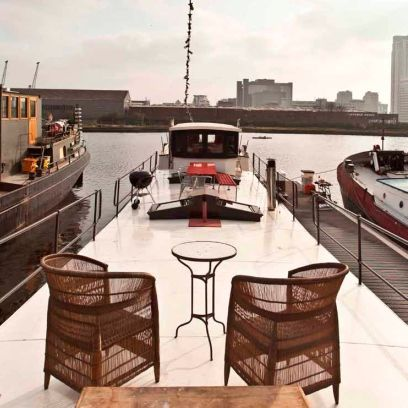 Water transportation, Room, Vehicle, Boat, Luxury yacht, Tugboat, Yacht, Ship, Naval architecture, Watercraft,