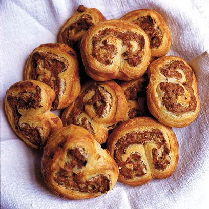 Food, Dish, Cuisine, Sweet Rolls, Ingredient, Baked goods, Nut roll, Produce, Viennoiserie, Dessert,