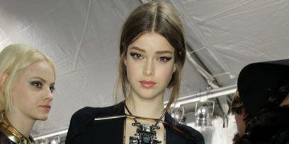 Hairstyle, Eye, Jewellery, Hat, Fashion accessory, Fashion, Blond, Necklace, Street fashion, Body jewelry,