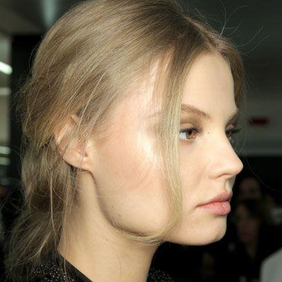 Lip, Cheek, Hairstyle, Chin, Forehead, Eyebrow, Eyelash, Style, Jaw, Organ,