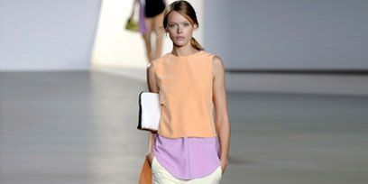 Shoulder, Joint, Standing, White, Fashion, Waist, Street fashion, Bag, Fashion design, Fedora,