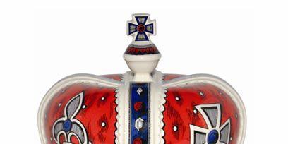 Carmine, Crown, Cobalt blue, Symbol, Metal, Natural material, Headpiece,