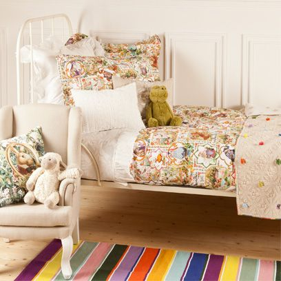 Room, Textile, Interior design, Linens, Teal, Cushion, Turquoise, Beige, Home accessories, Bedding,