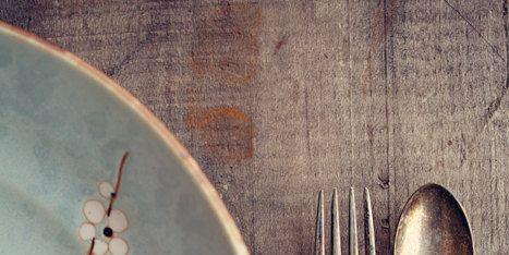 Dishware, Cutlery, Tableware, Kitchen utensil, Circle, Household silver, Peach, Serveware, Silver, Steel,