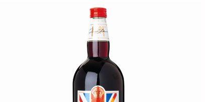 Bottle, Drink, Liquid, Glass bottle, Red, Alcoholic beverage, Logo, Alcohol, Carmine, Label,