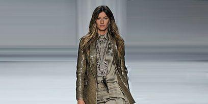 Sleeve, Fashion show, Human body, Shoulder, Runway, Human leg, Joint, Style, Fashion model, Waist,