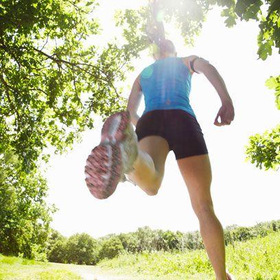 Leg, Human leg, People in nature, Summer, Knee, Sunlight, Thigh, Jumping, Muscle, Calf,