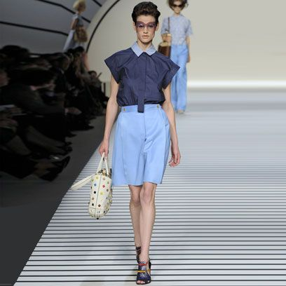 Clothing, Blue, Sleeve, Human body, Fashion show, Shoulder, Textile, Human leg, Joint, Runway,