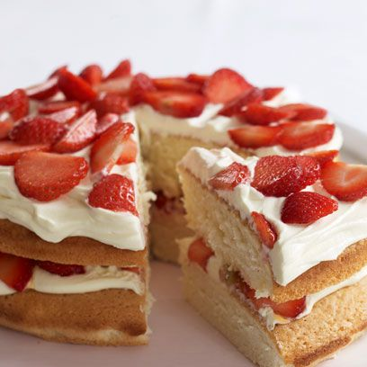 Dish, Food, Cuisine, Strawberry, Strawberries, Dessert, Ingredient, Baked goods, Strawberry pie, Cream,