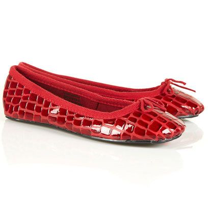 Product, Red, Carmine, Pattern, Maroon, Ballet flat, Coquelicot, Fashion design, Silver, Natural material,