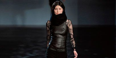 Sleeve, Skin, Fashion show, Shoulder, Winter, Joint, Waist, Fashion model, Style, Runway,