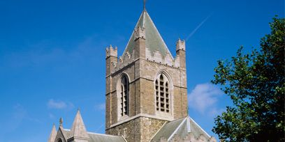 Architecture, Facade, Road surface, Landmark, Spire, Medieval architecture, Place of worship, Chapel, Steeple, Turret,