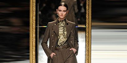 Style, Fashion show, Fashion model, Fashion, Runway, Blazer, Leather, Costume design, Fashion design, Haute couture,
