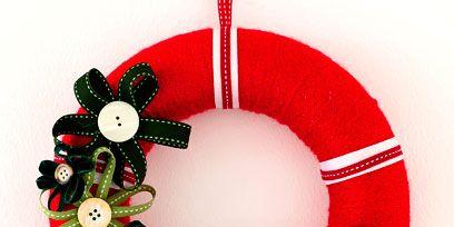 Red, Carmine, Bird, Circle, Christmas ornament, Coquelicot, Holiday ornament, Ornament, Christmas decoration, Christmas,