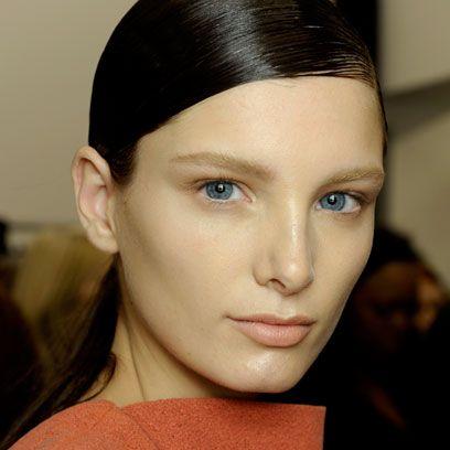 Ear, Lip, Cheek, Hairstyle, Chin, Forehead, Eyebrow, Eyelash, Style, Jaw,