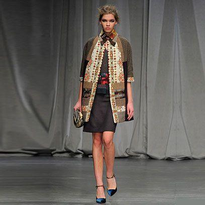 Textile, Outerwear, Style, Fashion, Blazer, Fashion model, Bag, High heels, Street fashion, One-piece garment,