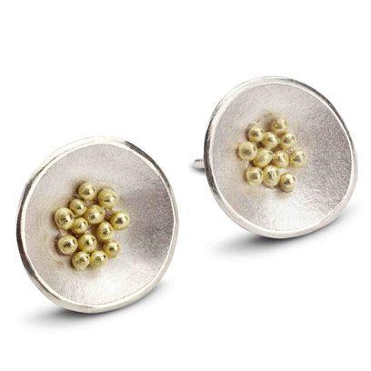 Natural material, Metal, Pearl, Circle, Macro photography, Silver, Ball, Brooch, Body jewelry, Gemstone,