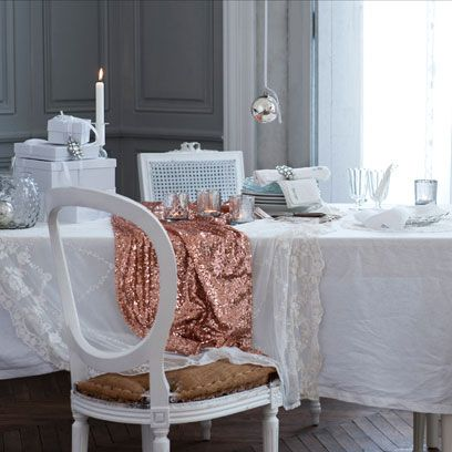 Tablecloth, Textile, Linens, Home accessories, Grey, Porcelain, Silver, Window treatment, Decoration,