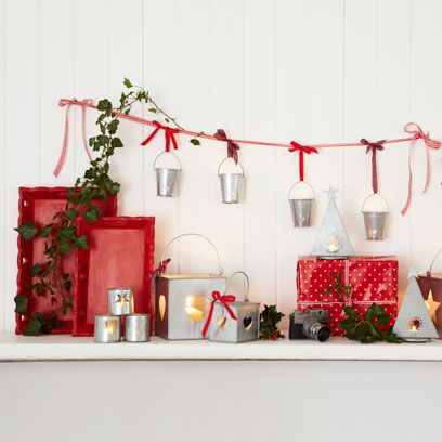 how to decorate a mantelpiece christmas decorations