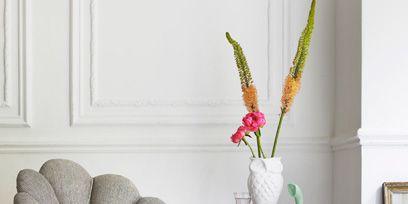 Room, Pink, Interior design, Interior design, Magenta, Purple, Grey, Violet, Artifact, Living room,