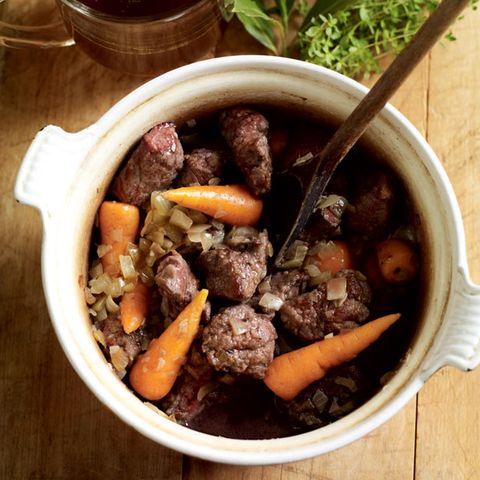 Food, Ingredient, Tableware, Meal, Cuisine, Dish, Bowl, Recipe, Beef bourguignon, Meat,