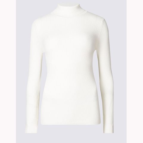 Clothing, Neck, White, Shoulder, Sleeve, Outerwear, Sweater, Beige, Collar, Top,