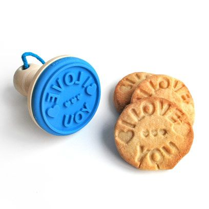 Finger food, Biscuit, Cookies and crackers, Aqua, Electric blue, Baked goods, Circle, Dessert, Snack, Cookie,